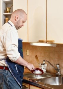 mindfully washing dishes
